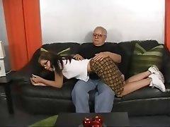 Jeunes et vieux, Star du porno, Fessée